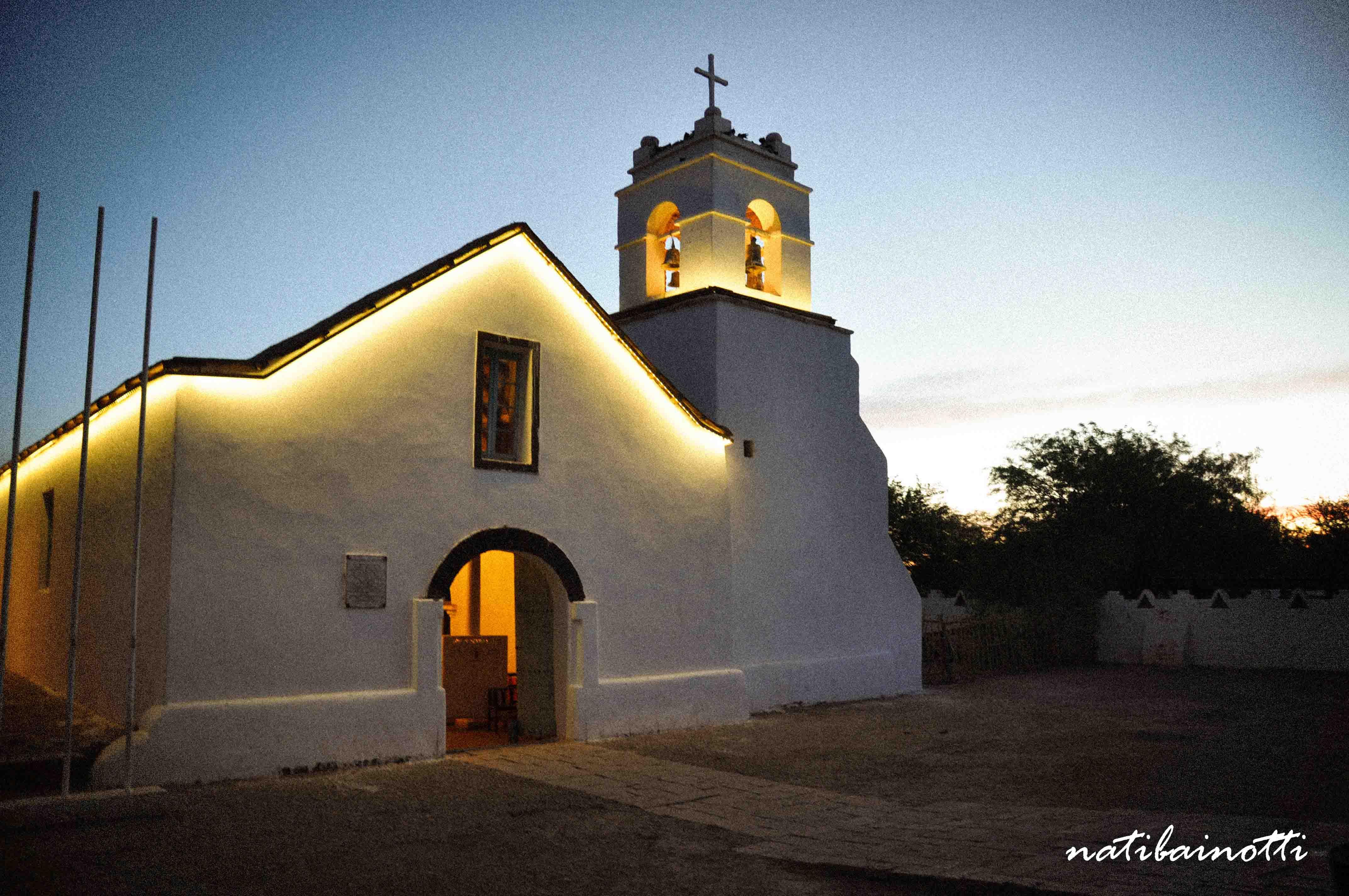 La Iglesia de noche.