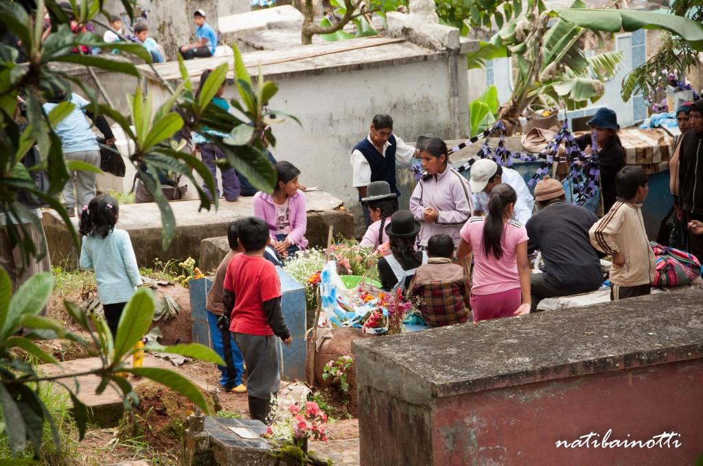 fiestas-cementerios-coroico-bolivia-nati-bainotti (1)