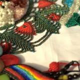 collar verde y rojo saraguro