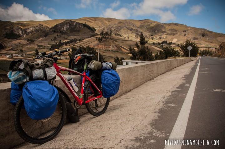 viaje en bici sierras ecuador