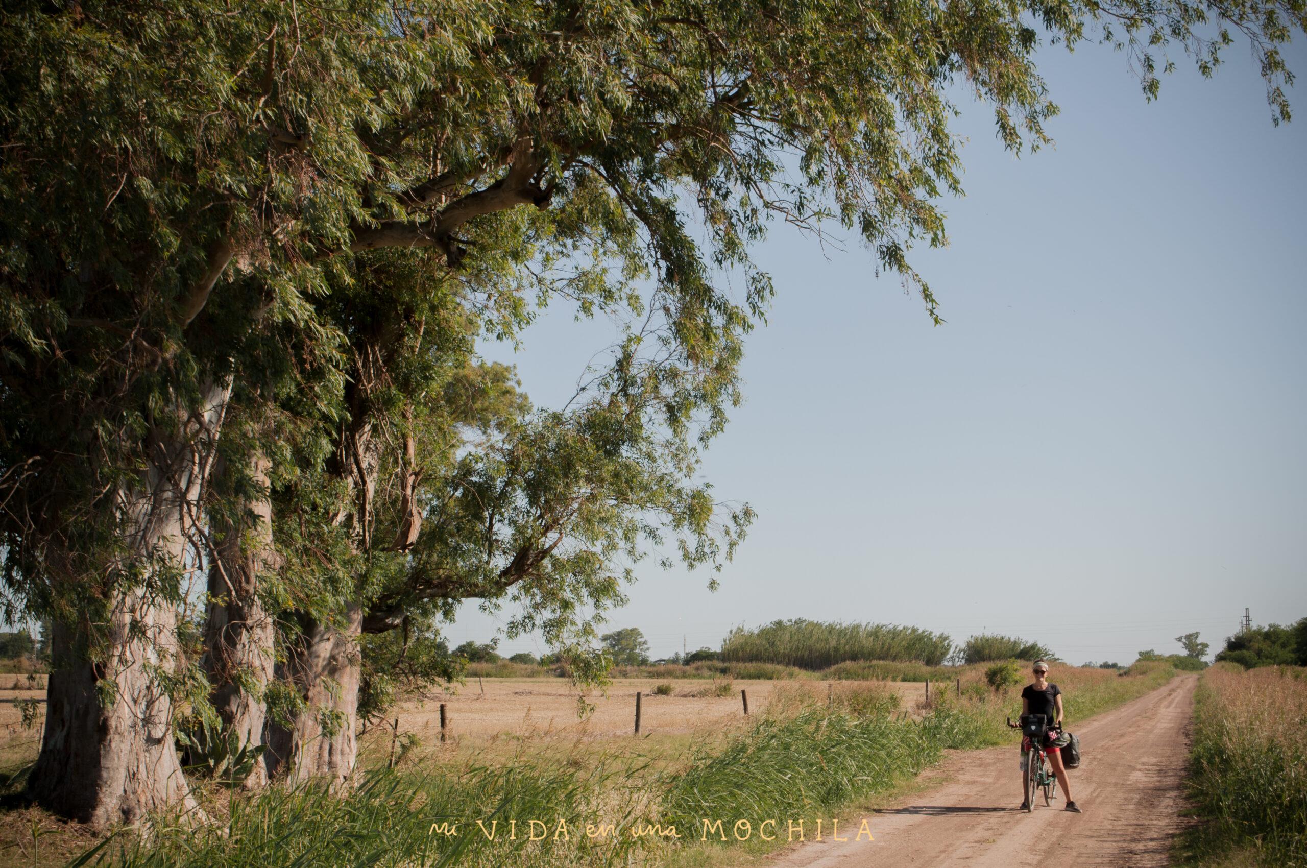 pedaleada en el campo